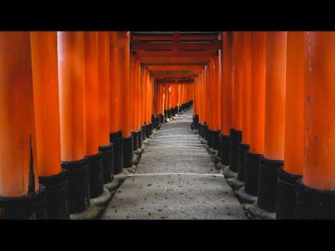 Fushimi Inari Taisha in Kyoto, Japan (伏見稲荷大社) ⛩️ | Hiking Kyoto's 10,000 Red Gates!