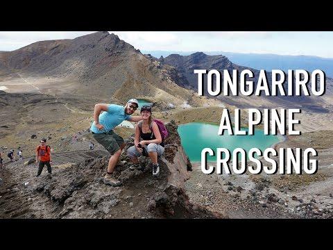 HIKING THE TONGARIRO ALPINE CROSSING, NEW ZEALAND