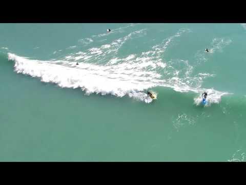 Tauranga Bay - Surfing