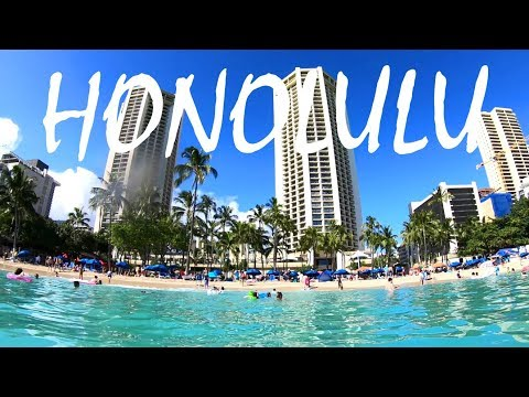 Exploring HONOLULU, HAWAII: Walking to Waikiki Beach