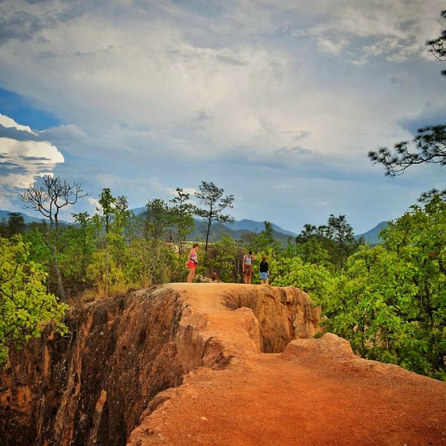 Hiking through Pai Canyon...