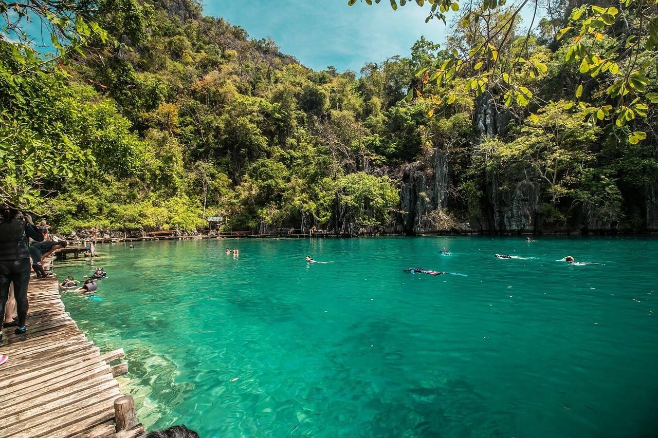 palawan lagoon - coron hotels