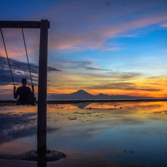 Gili Trawangan Sunset Swing - Best Things to do on GIli Islands
