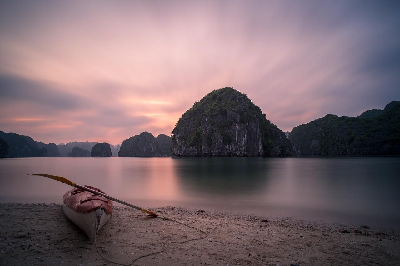 Halong Bay BEaches - Vietnam 2019