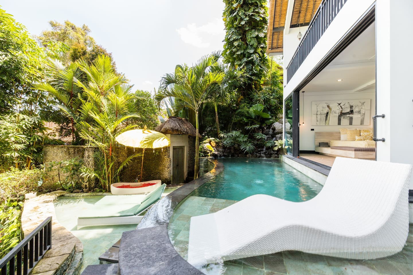 Airbnb in Ubud Bali with Pool