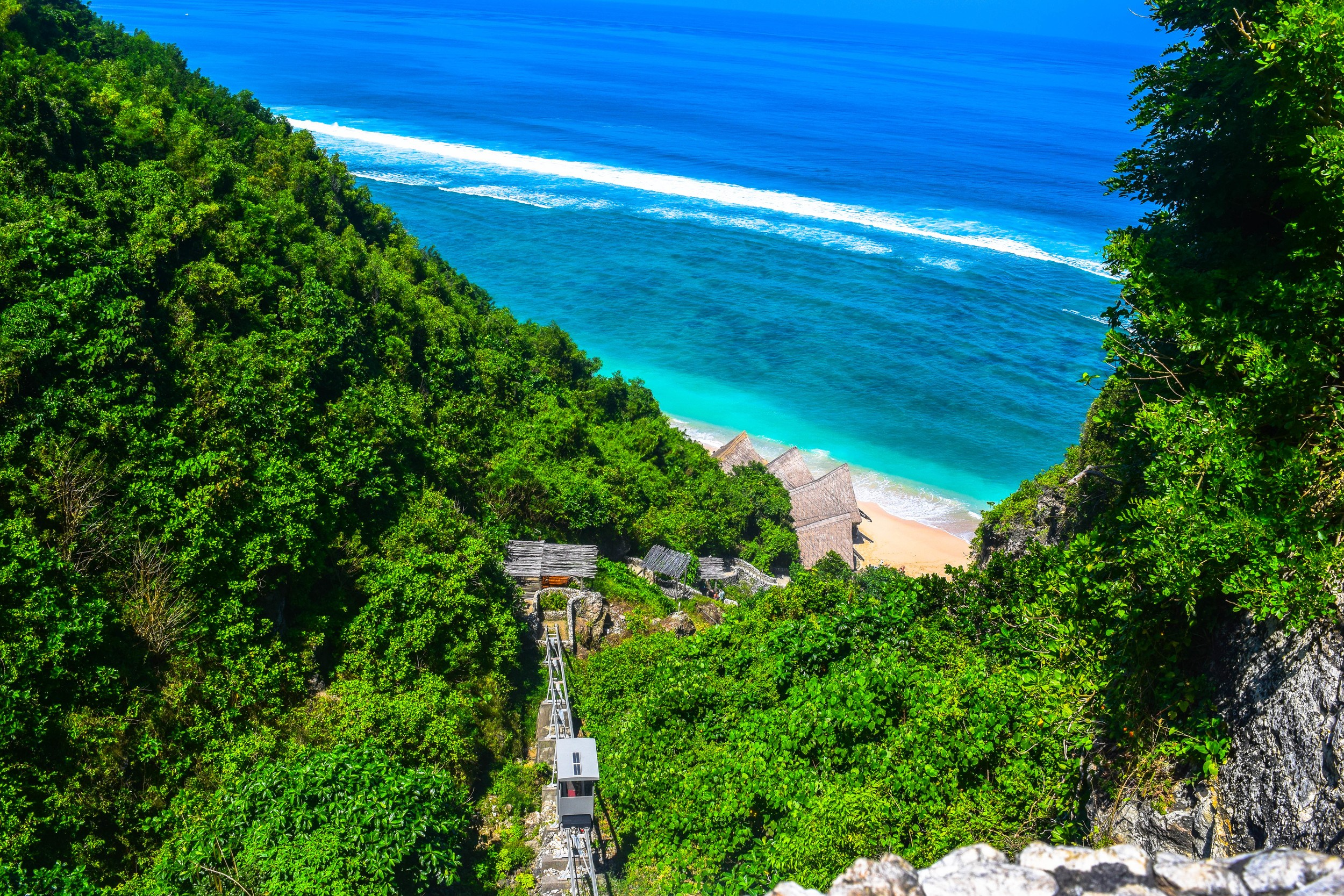 Finns Beach Club - Bali Resorts