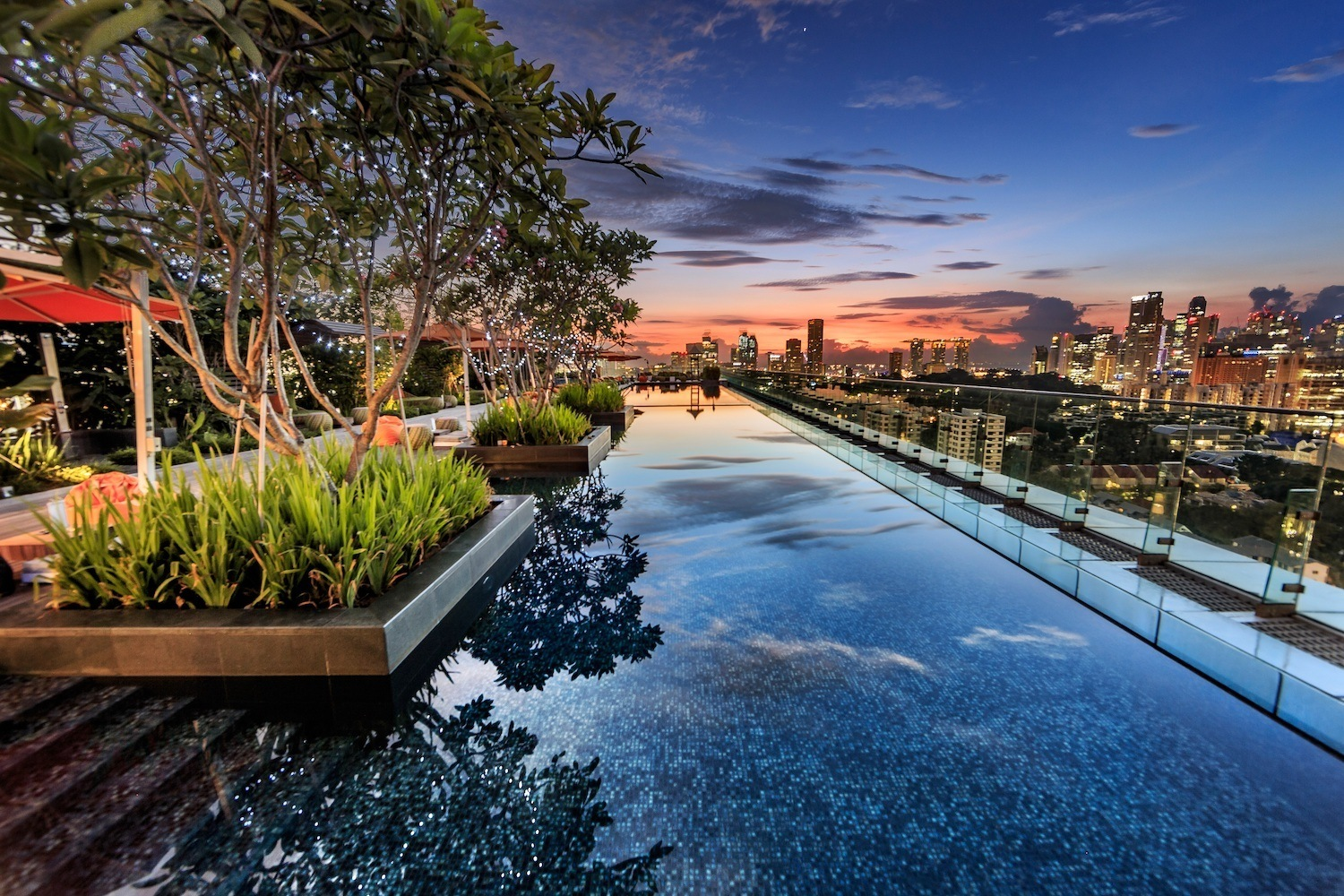 Hotel Jen Orchardgateway Singapore Rooftop Infinity Pool