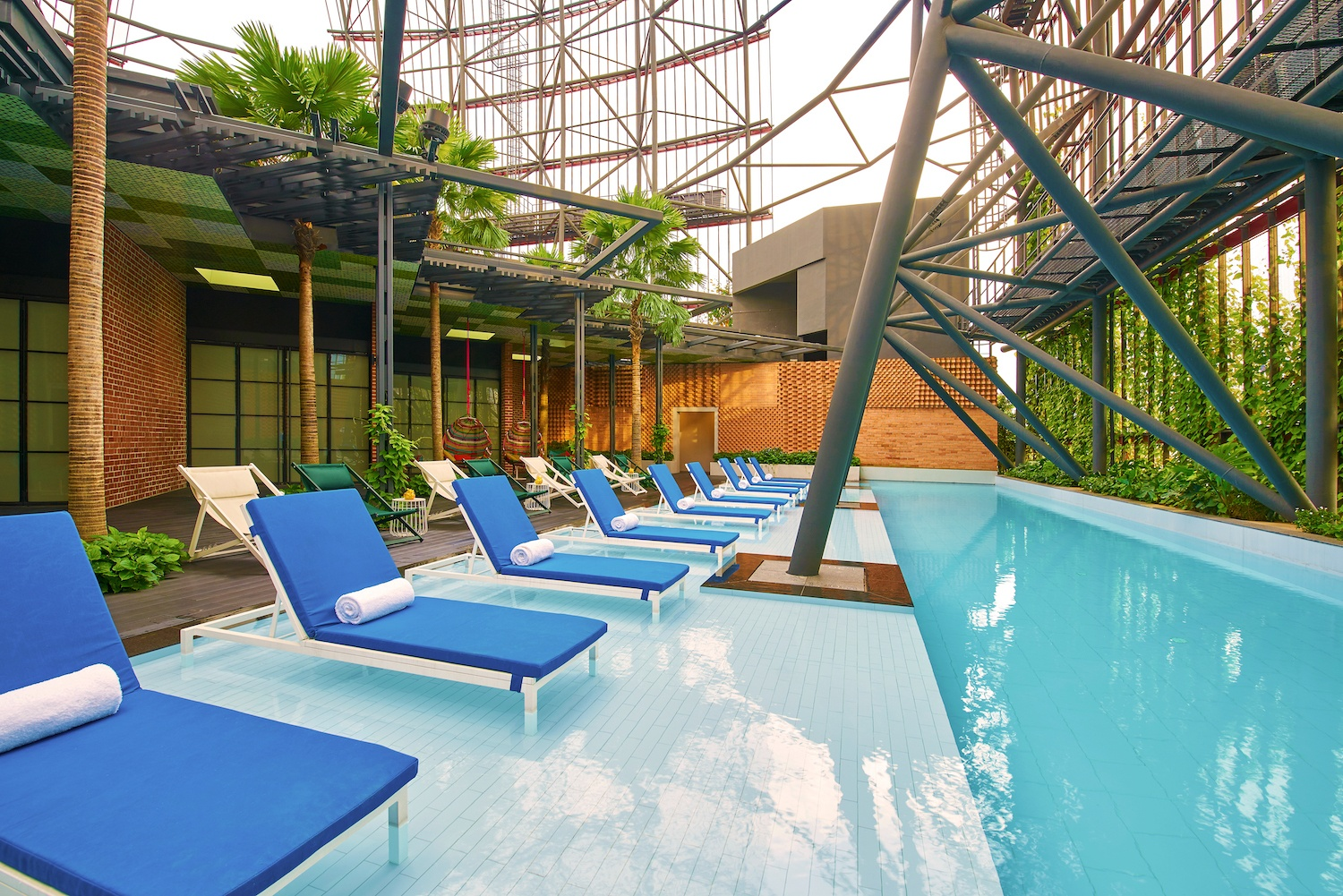 Oasia Hotel Downtown, Singapore - Rooftop Pool