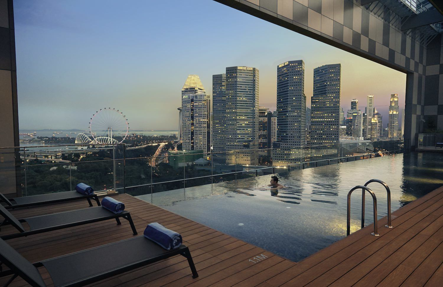 Pan Pacific Serviced Suite Infinity Swimming Pool Singapore