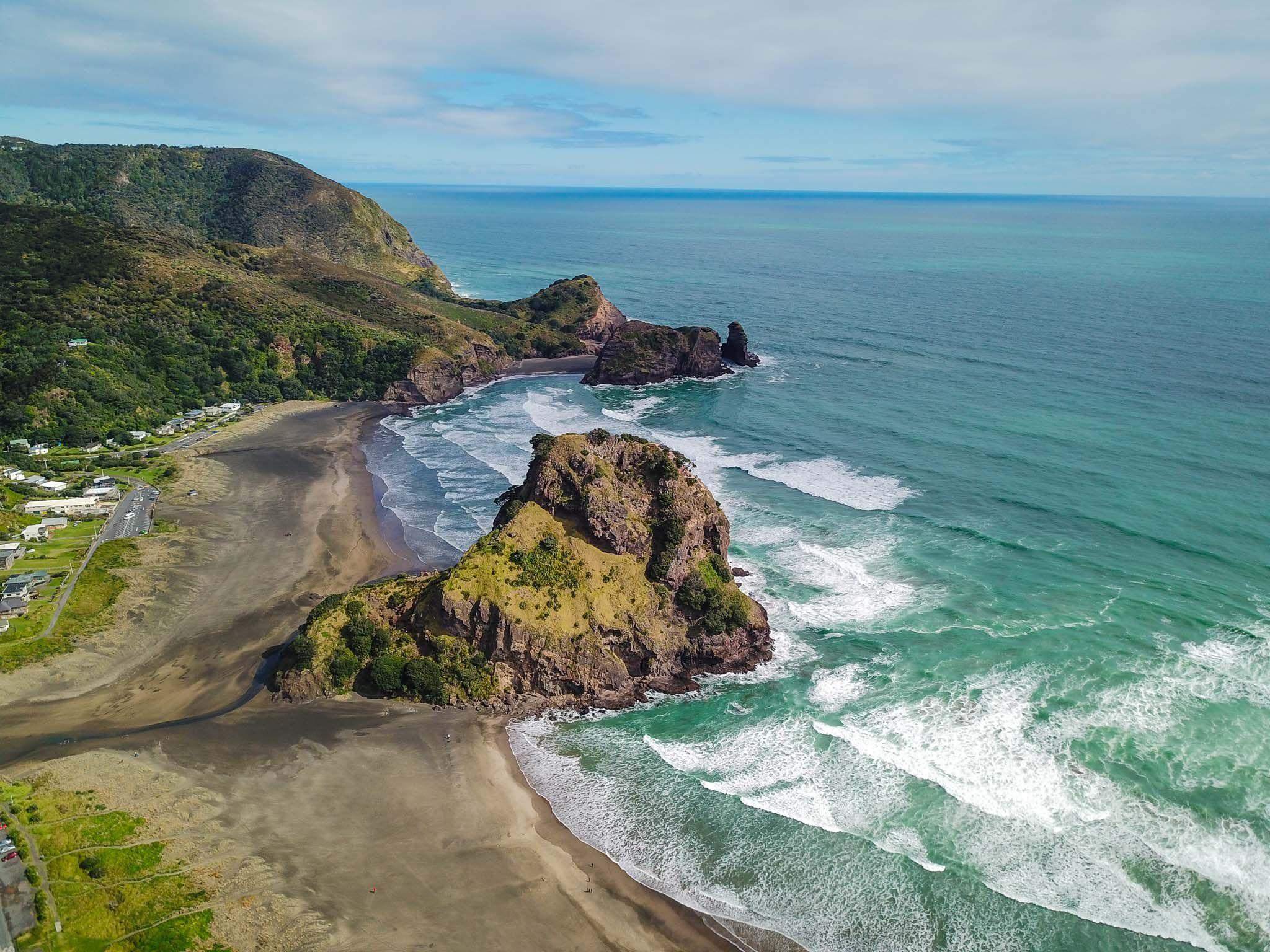 Piha Beach - New Zealand Itinerary