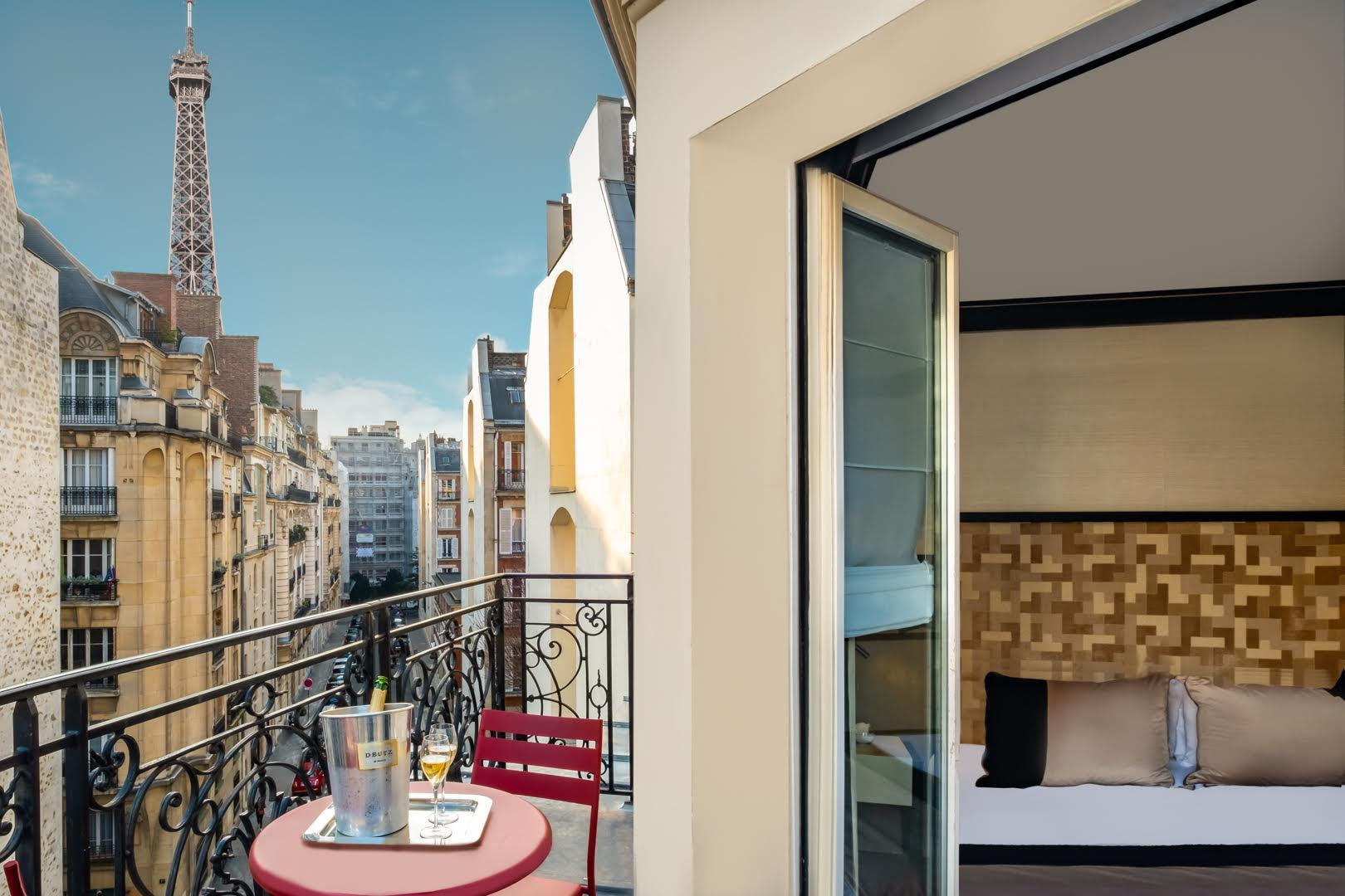 Le Derby Alma- Hotels with Eiffel Tower View Paris 2019
