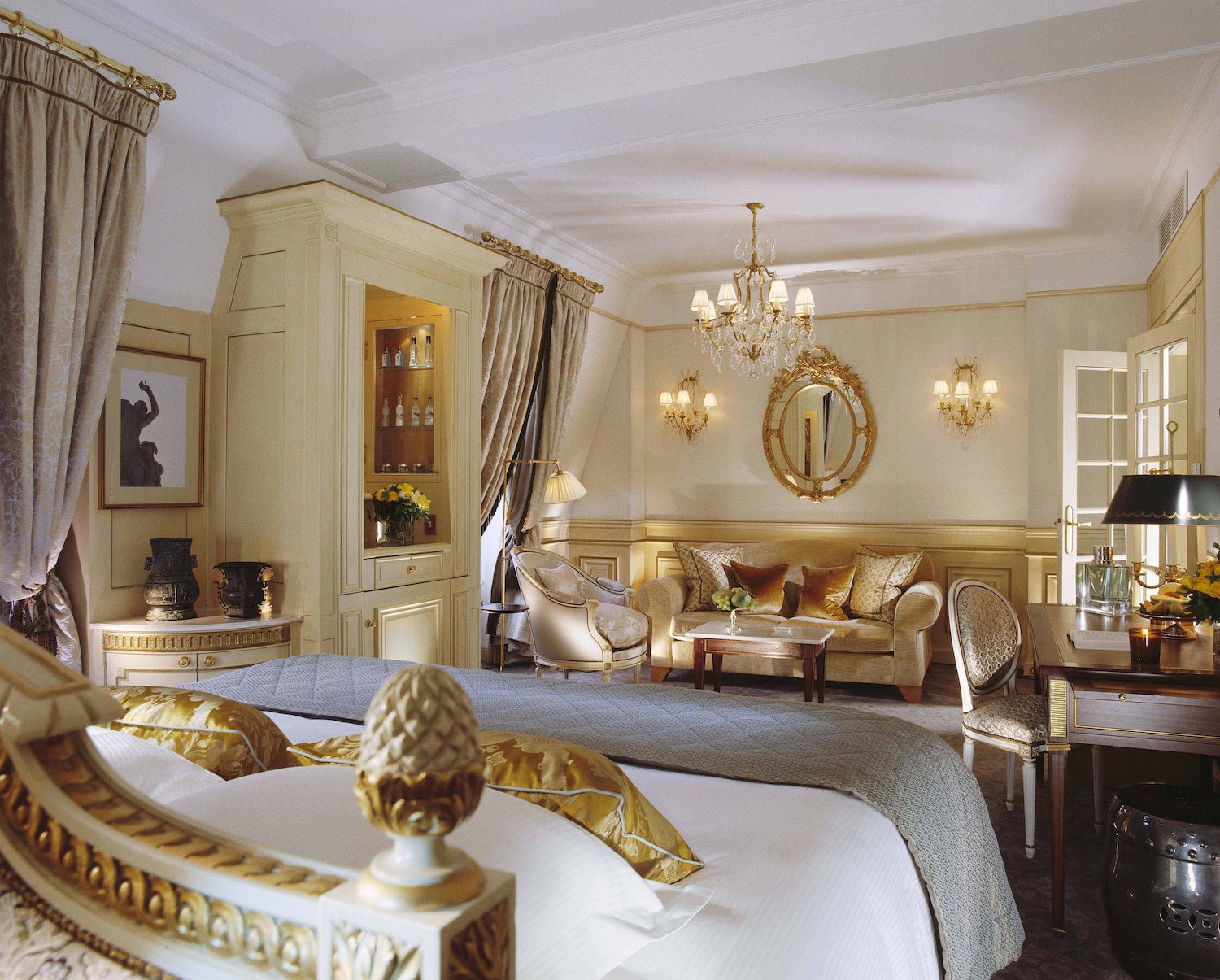 Le Meurice - Paris Hotels with Eiffel Tower View