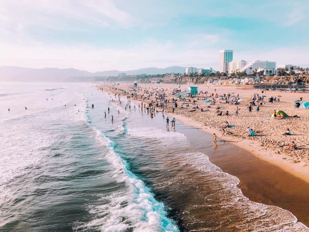 Santa Monica Beach - Places to stop between Los Angeles and San Diego