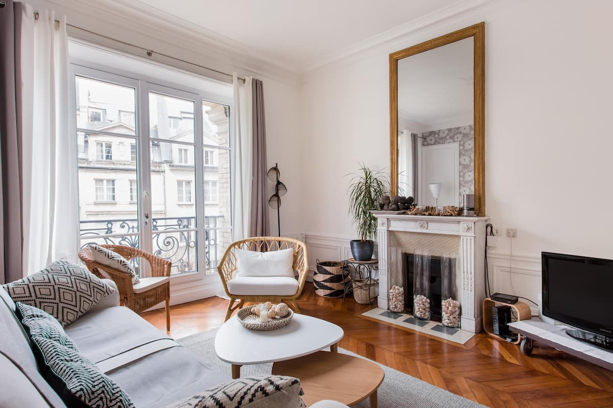 Airbnb in Paris 4 Days