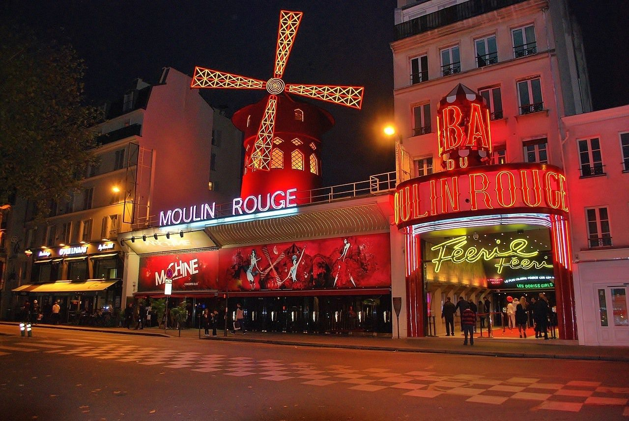 Moulin Rouge - Best Paris 4 Days Itinerary