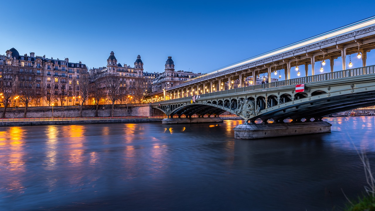 The River Seine - Paris in 4 Days