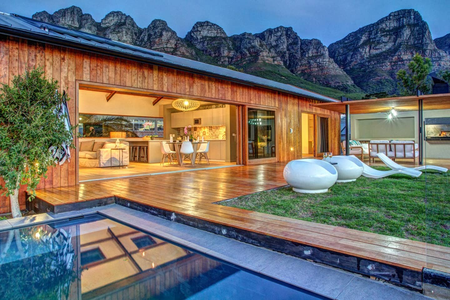 3 Bedroom Airbnbs in Cape Town