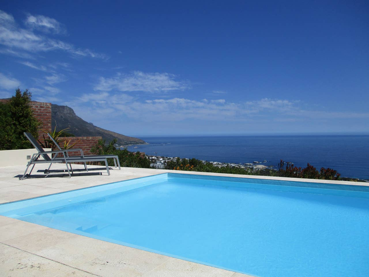 Airbnb in Cape Town with Pool
