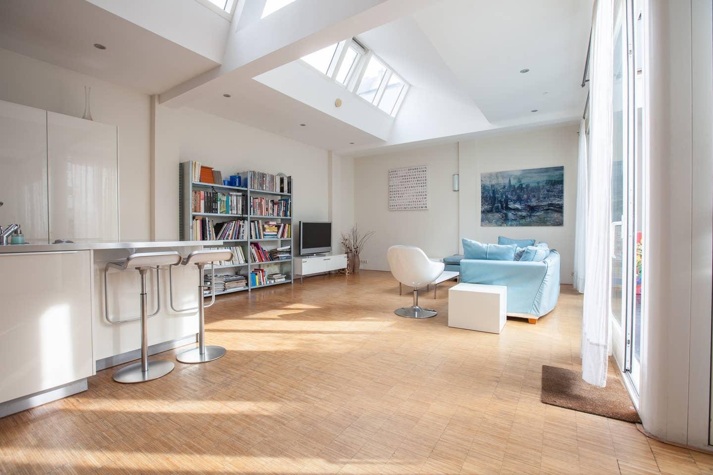 Bright Amsterdam Airbnb 2020