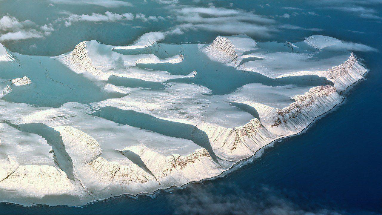 Jökulsárlón glacier lagoon - Where to stay in Iceland