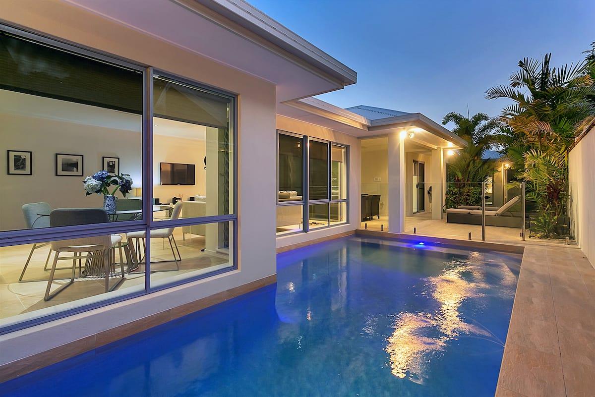 Palm Cove Airbnb