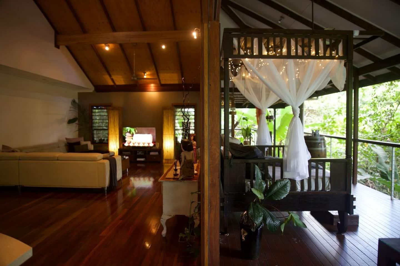 Treehouse Unique Airbnb Cairns