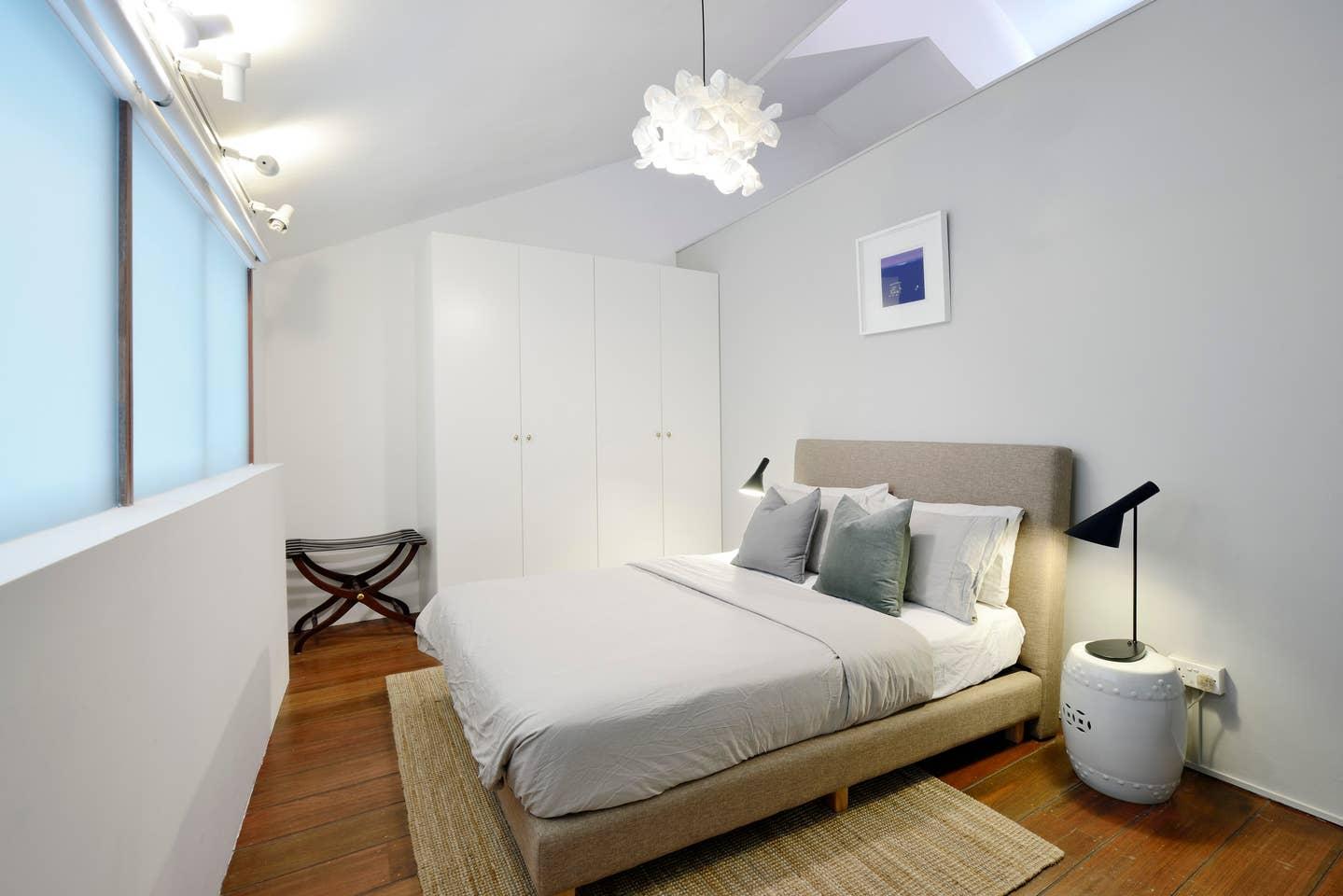 cheap airbnb singapore