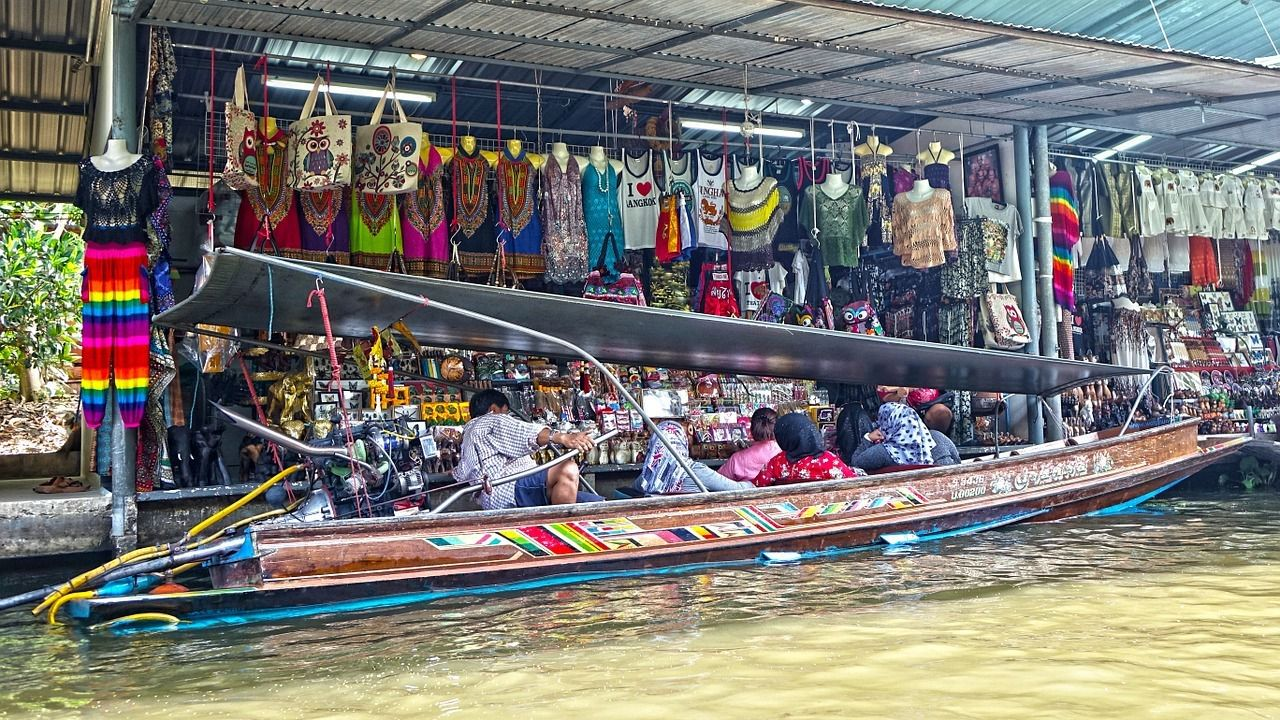 Floating Market - Cheap Airbnbs in Bangkok