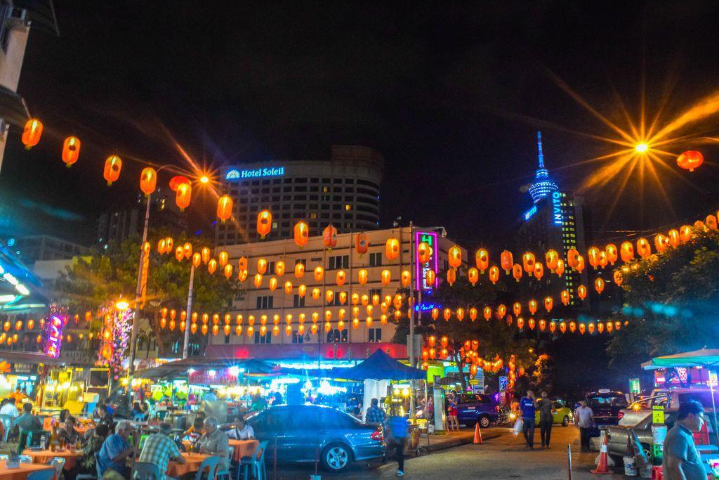 Jalan Alor Night Market - Kuala Lumpur Itinerary