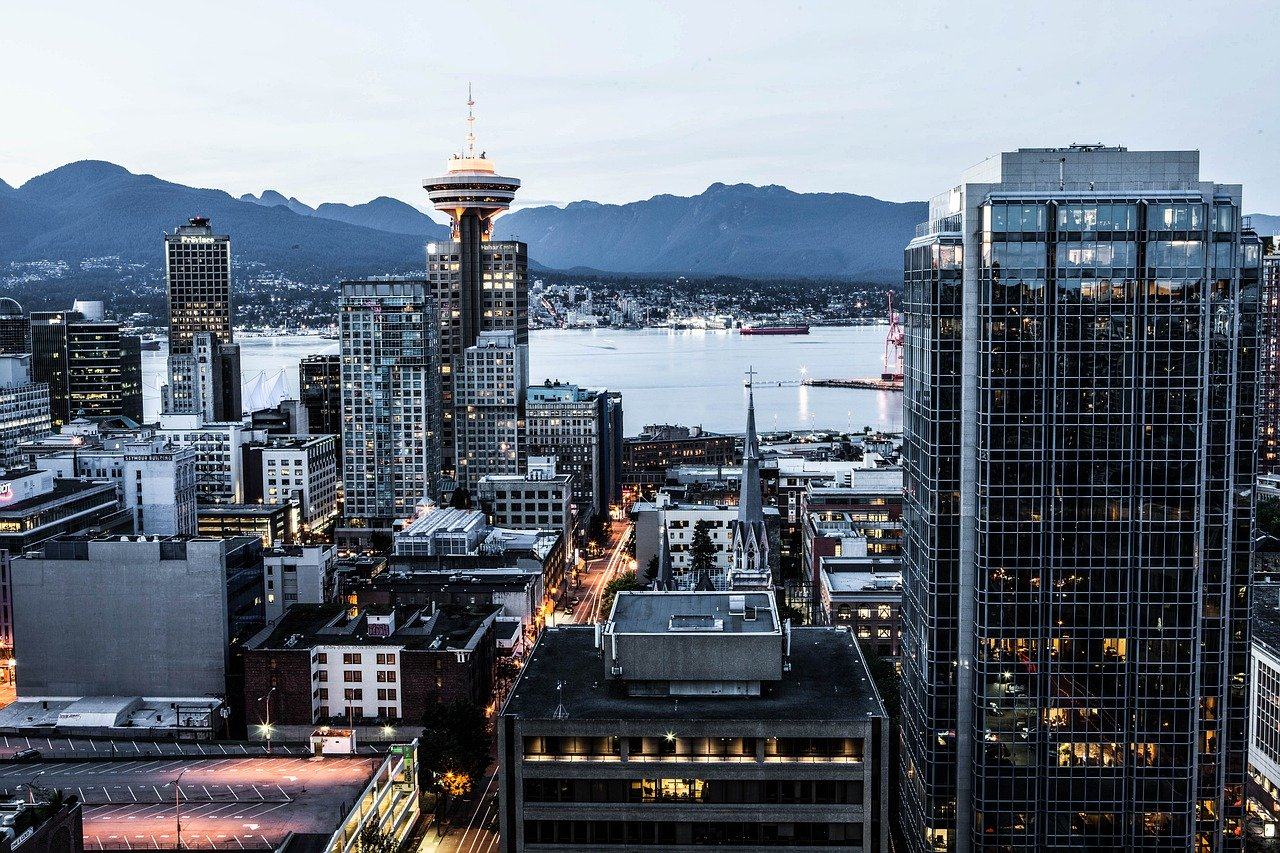 Vancouver Skyline - Airbnb Vancouver 2020