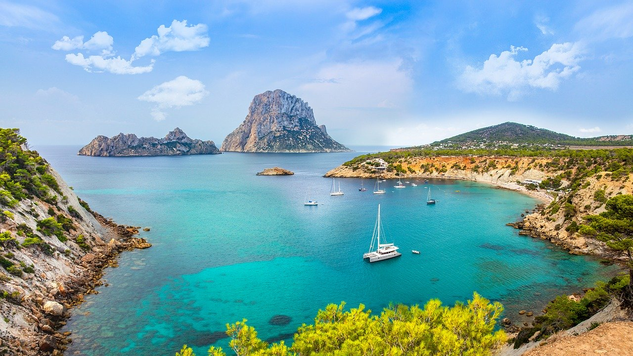Where is hot in February - Ibiza