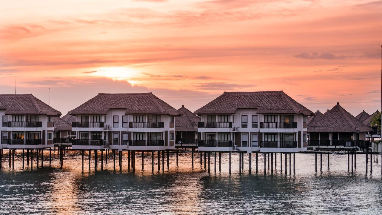 Avani Sepang Goldcoast Resort - Best Overwater Villas Malaysia