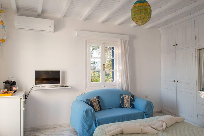 Cheap Airbnbs in Mykonos