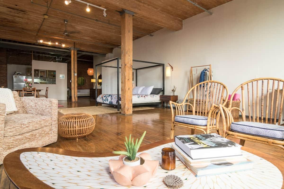 Loft Airbnb Detroit
