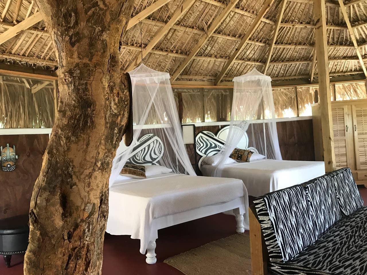 Mandela Great Hut - Best Jamaica Airbnbs