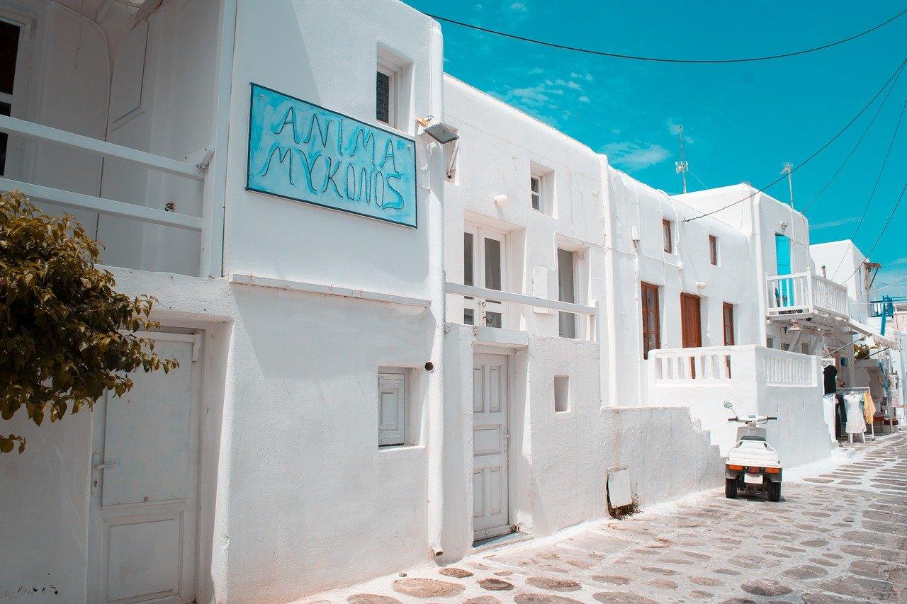 Romantic Airbnbs in Mykonos Villa