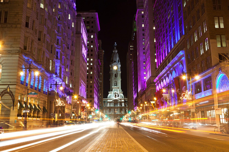 Philadelphia streets by night - Airbnbs in Philadelphia