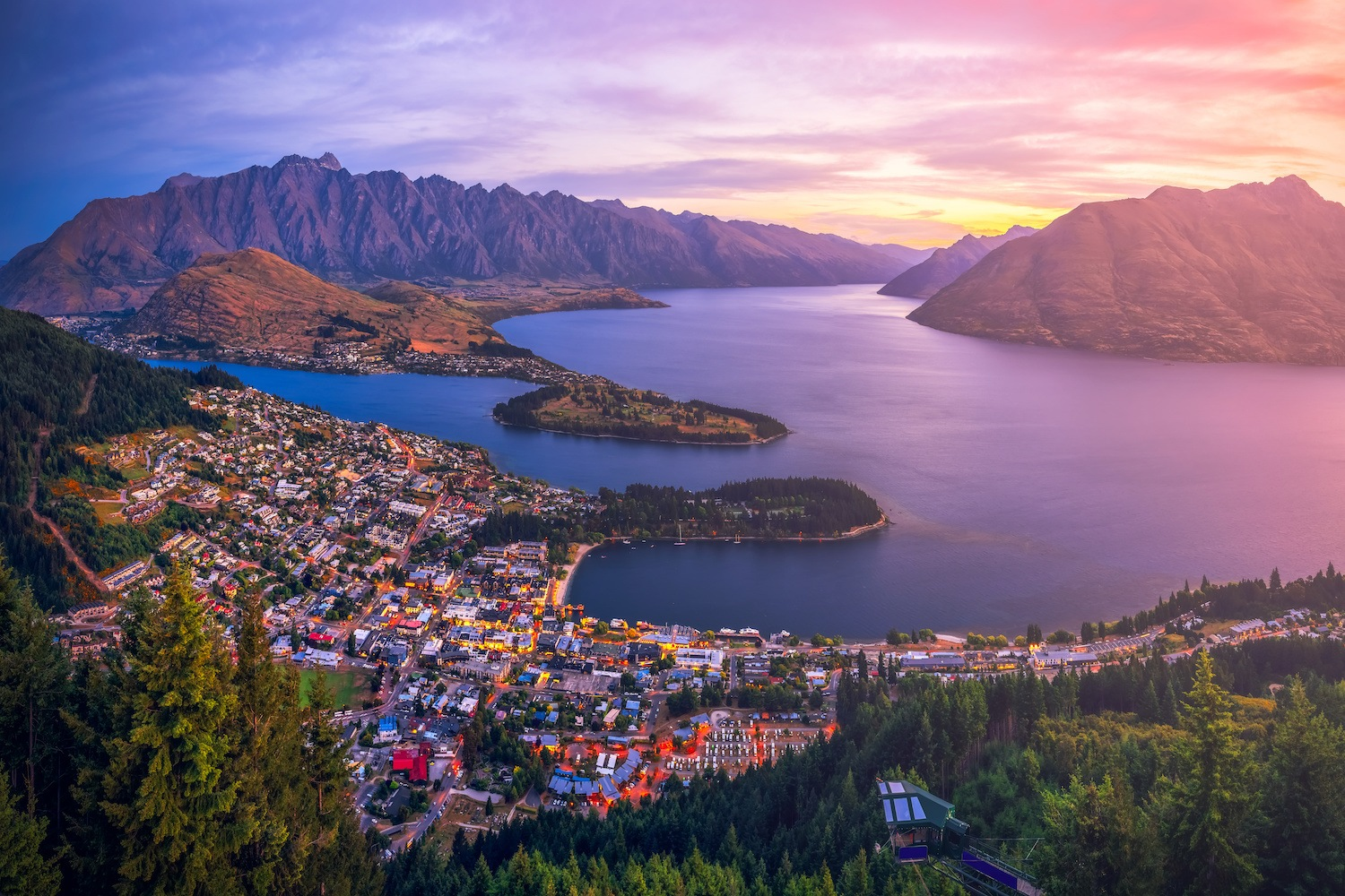 Where to Stay in Queenstown - Best Airbnbs