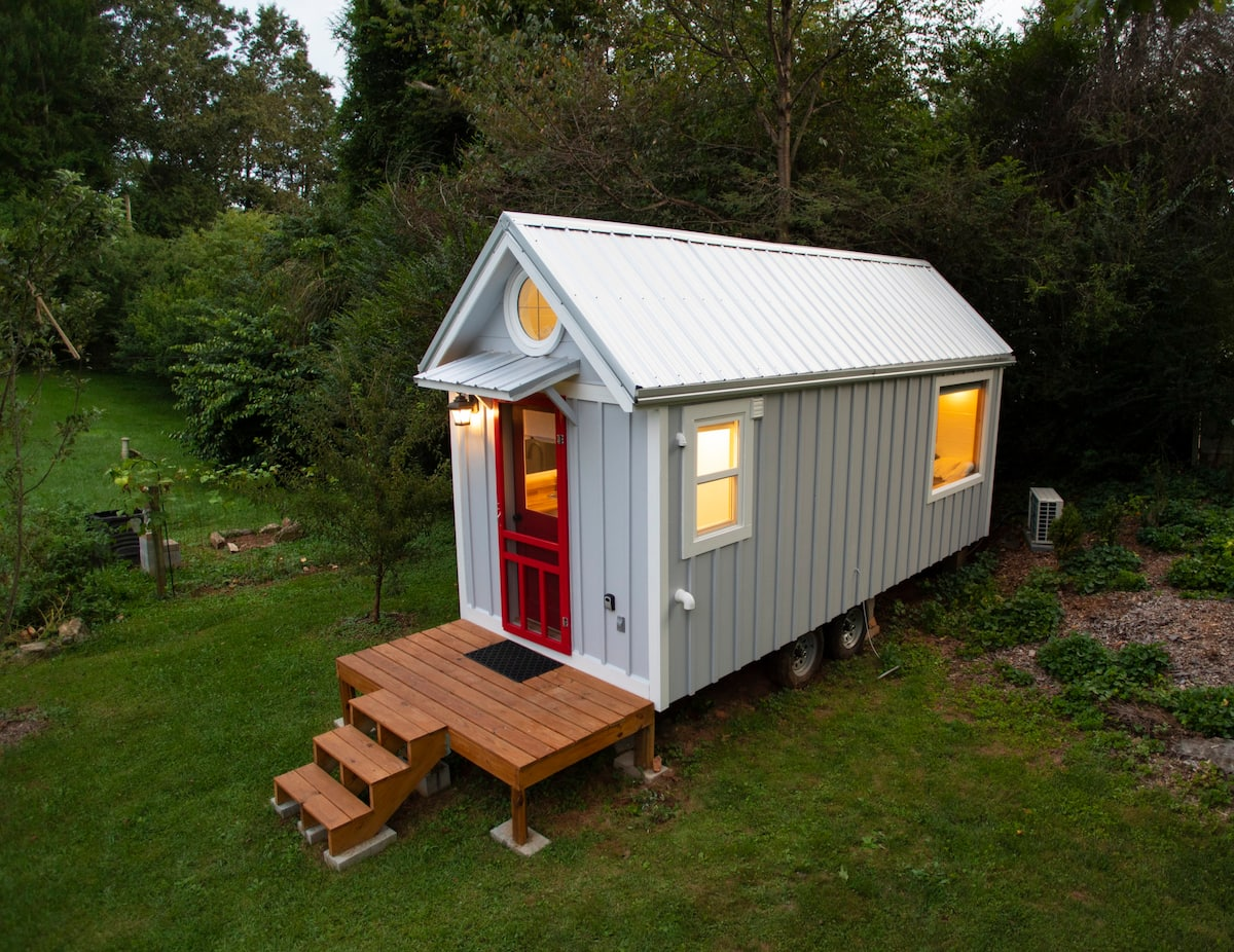 Airbnb Asheville Tiny House