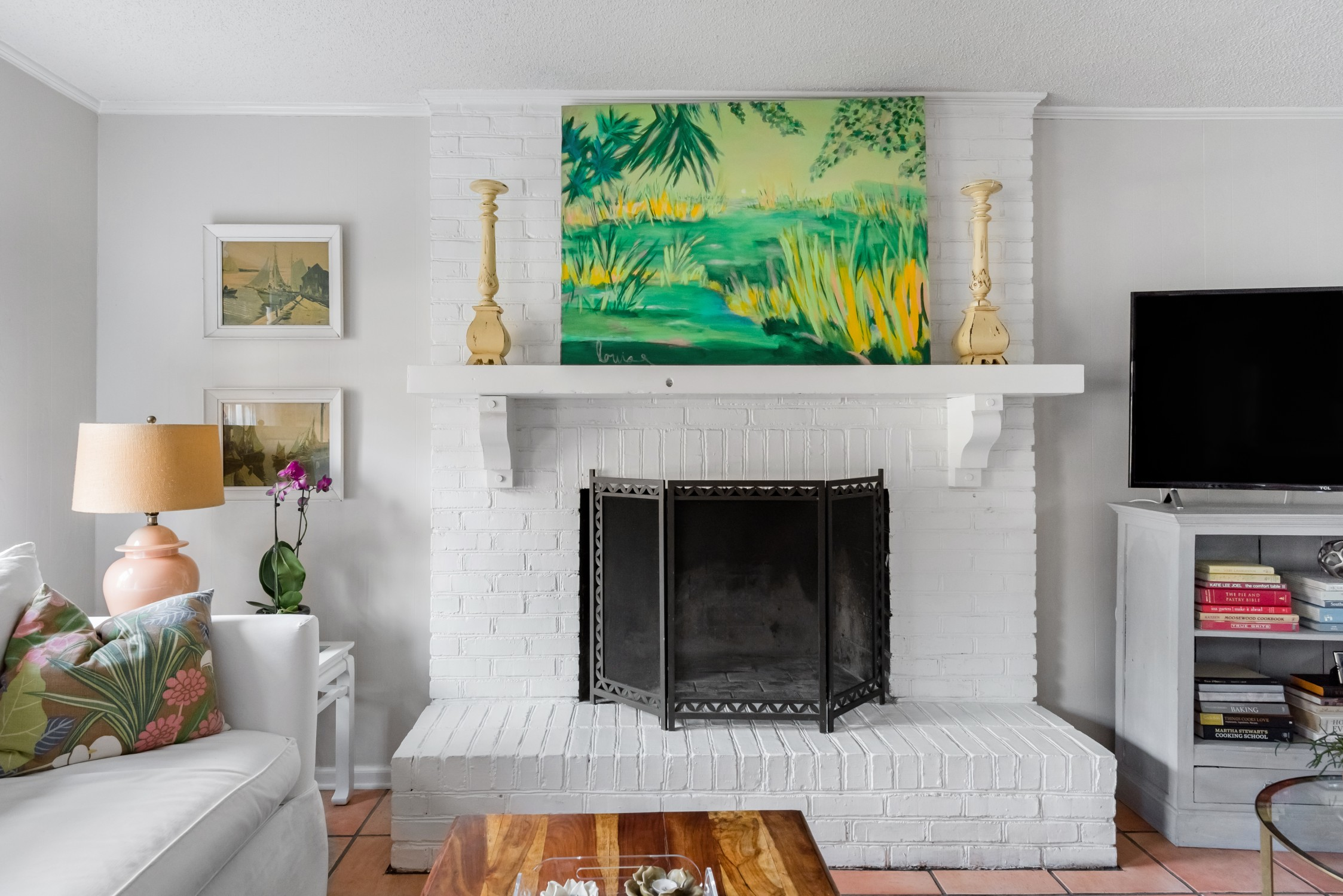 Charleston, South Carolina Airbnb Rental Living Room