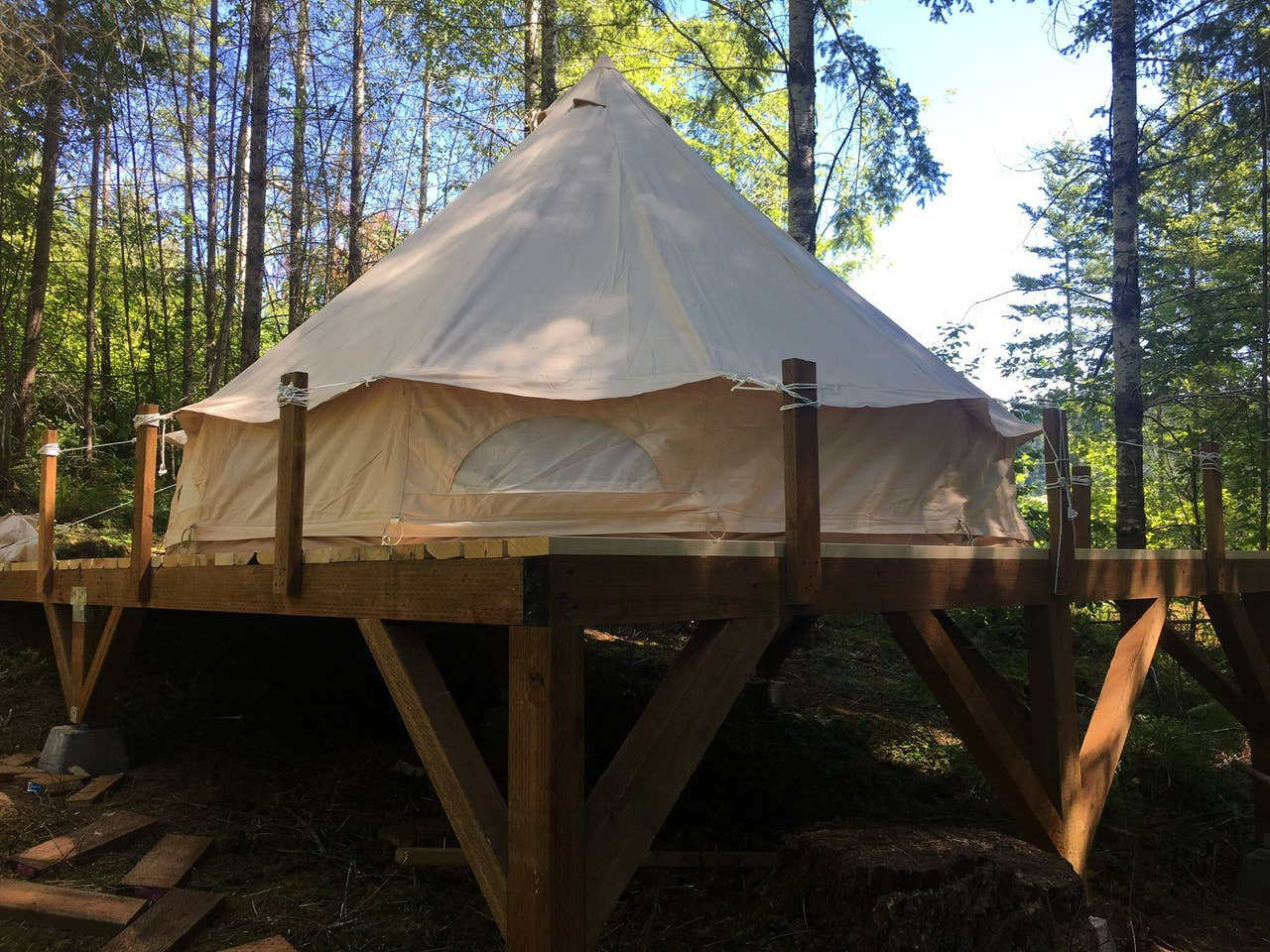 Glamping Retreats in Oregon