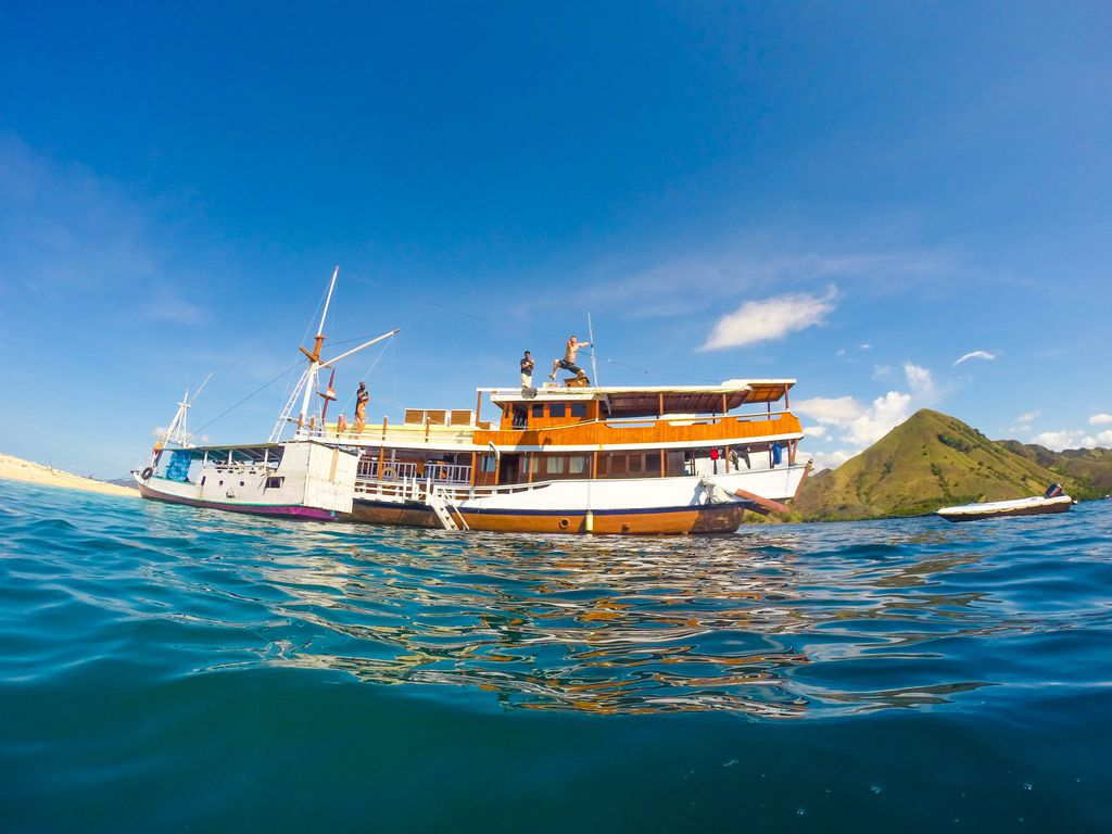 Komodo Scuba Diving Live Aboard Trips
