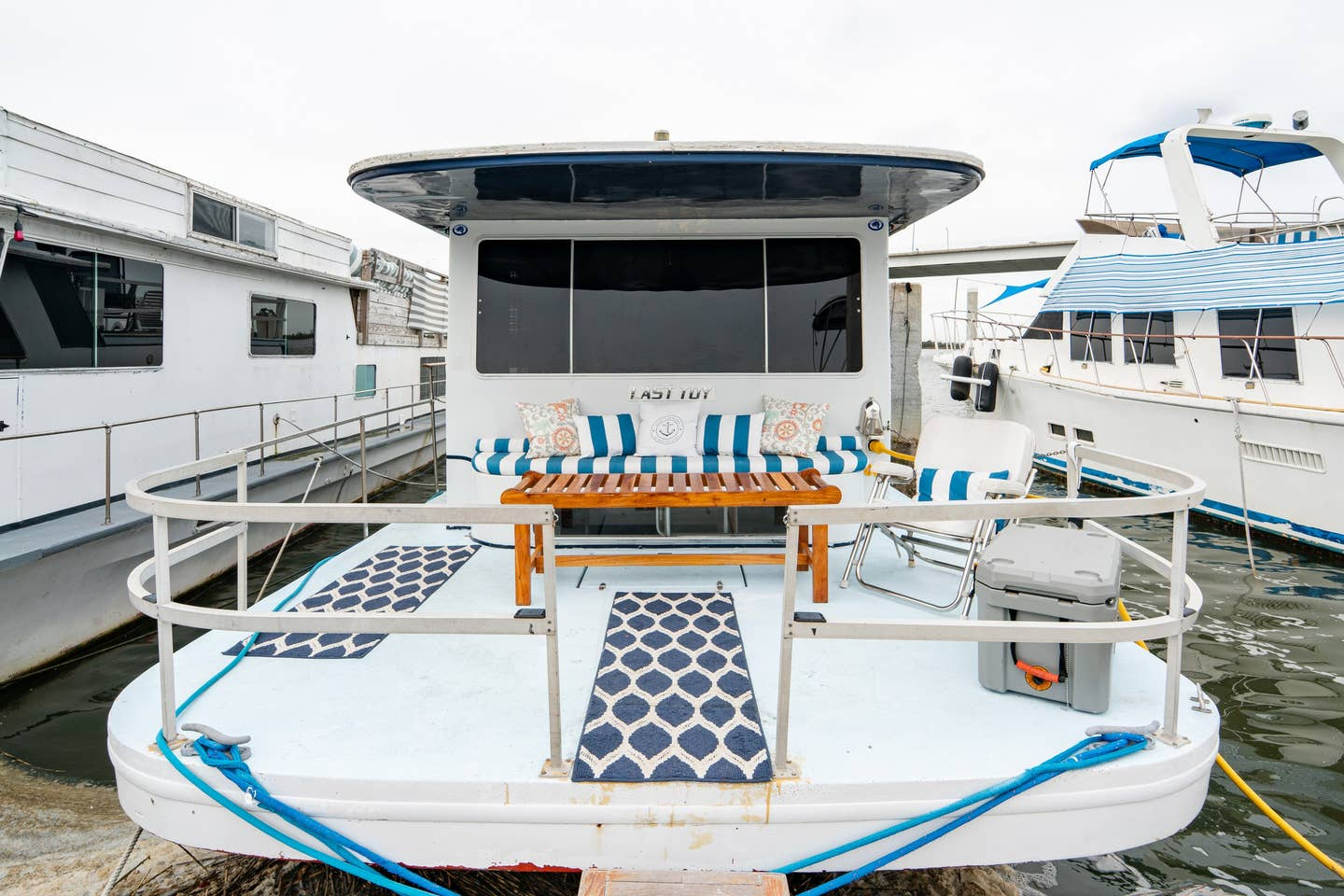 Unique Charleston Airbnb Houseboat