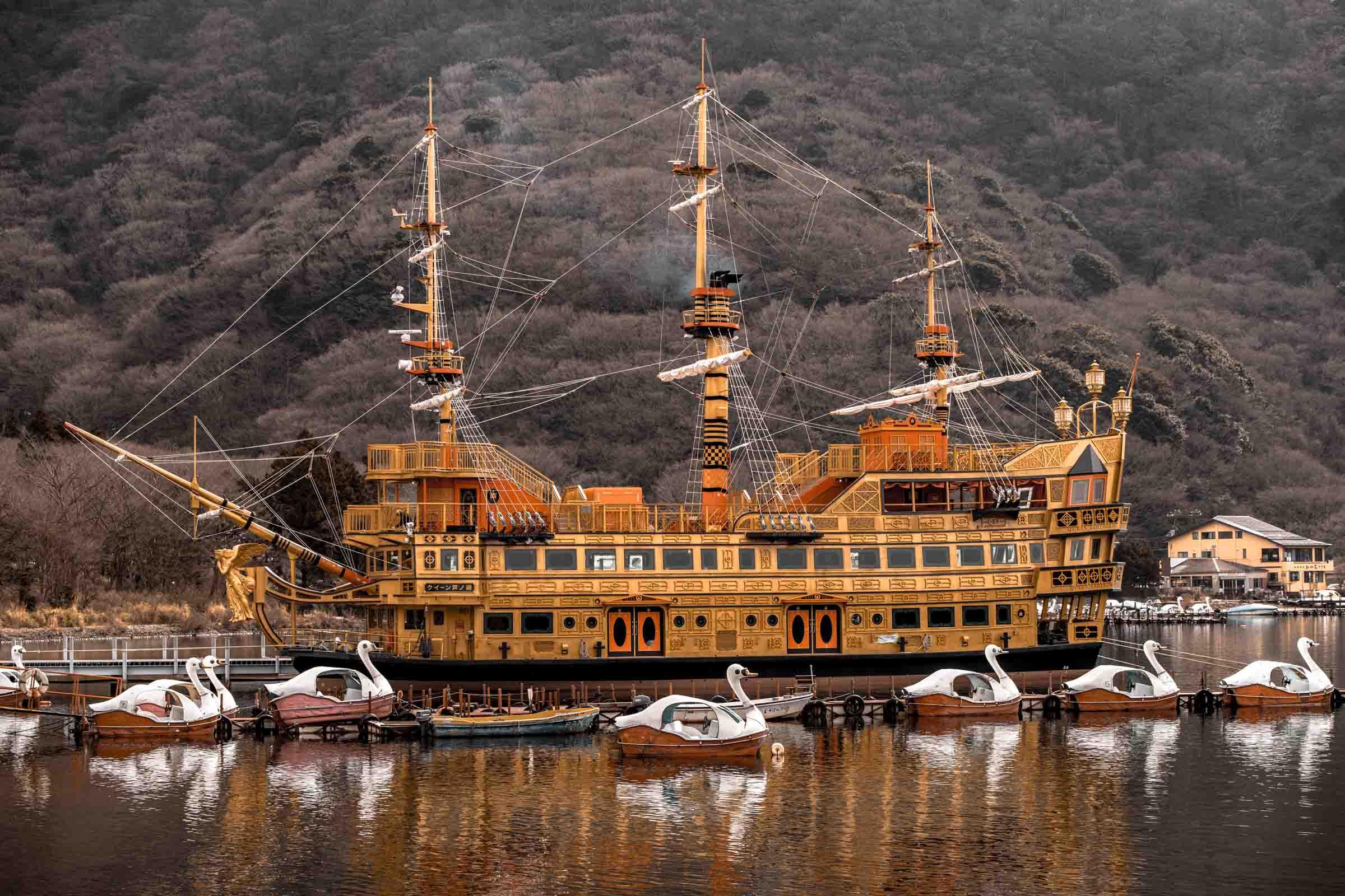 lake Ashi cruise, hakone, japan