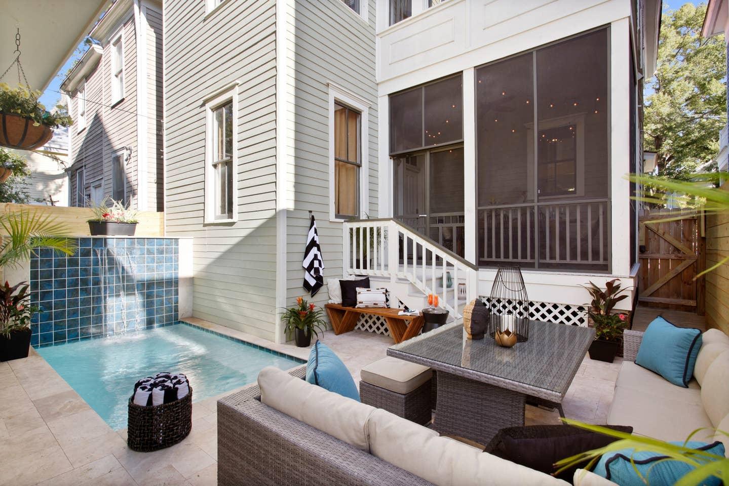 Airbnb Savannah GA with pool