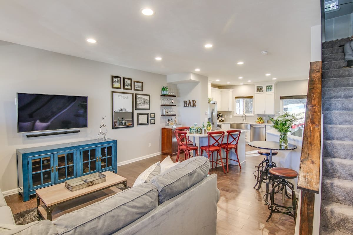 Best Airbnb In Pittsburgh For Large Groups