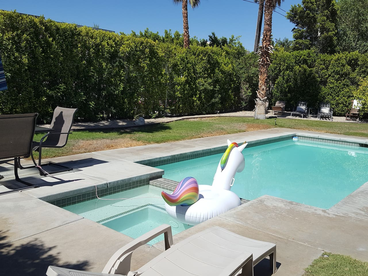 Cheap Palm Springs Airbnb with Pool