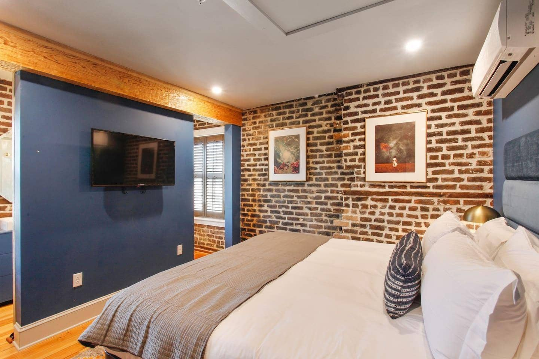 Loft Airbnb Savannah GA