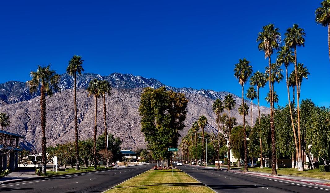 Palm Springs, California - Airbnb Rentals