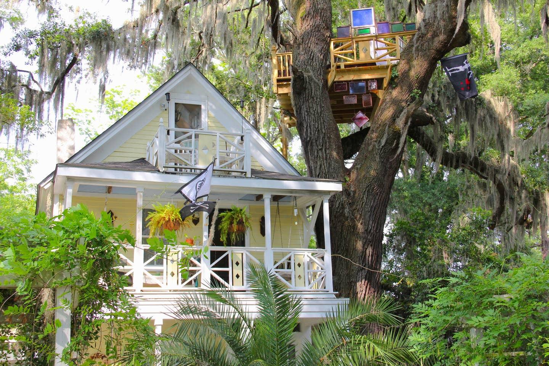 Unique Airbnb Savannah Treehouse